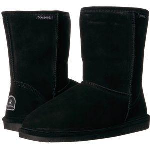 BearPaw Emma Short in black size 8